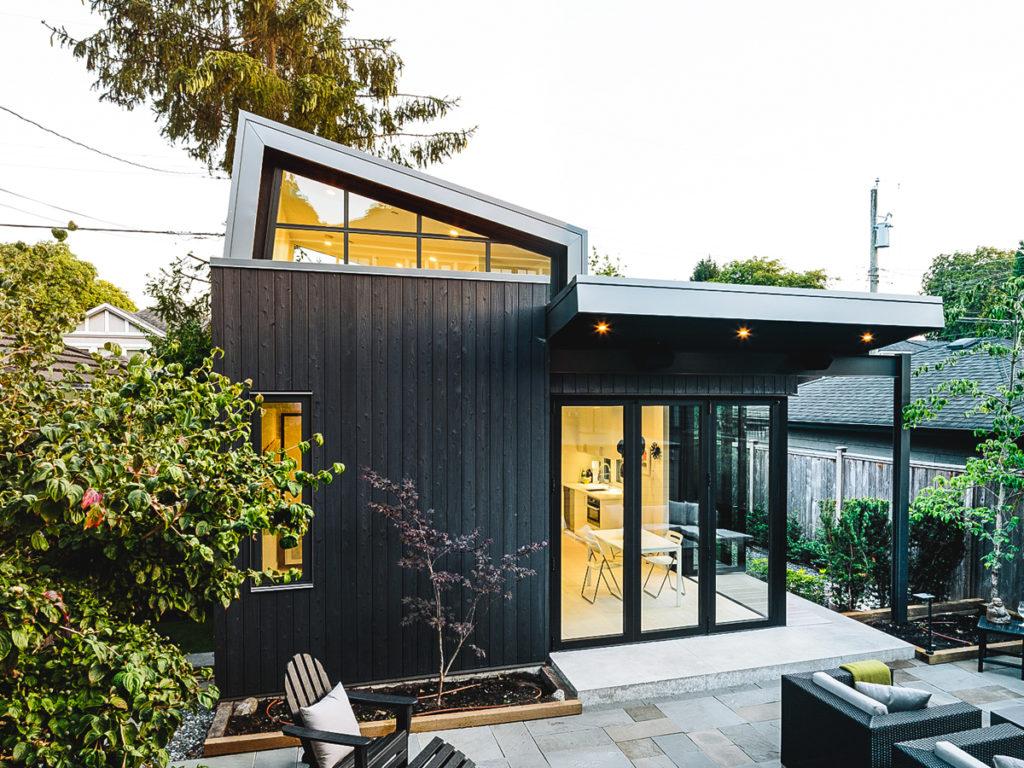 Laneway House projet Yakisugi extérieure